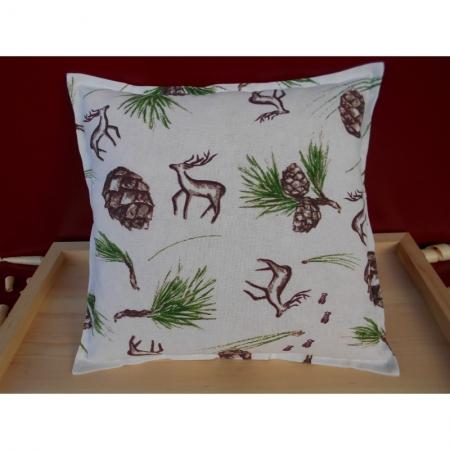 Zirbenkissen mit Hirsch und Zirbenzapfen 30 x 30 cm