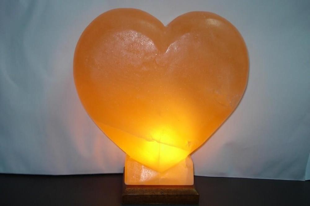 Salzlampe - Herz (Holzsockel)