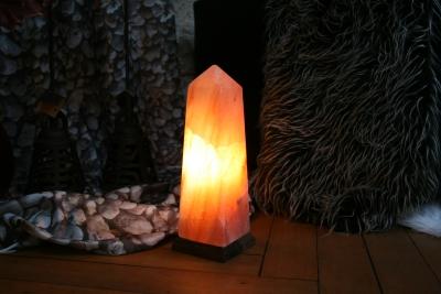 Salzlampe Obelisk 30cm B-Ware